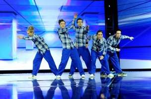 Skitsoflex dancegroup in trousers I have made.